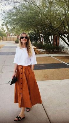 59 Minimalist Outfit to Inspire your Own Sleek Look - Mode Frauen Mode Outfits, Chic Outfits, Fashion Outfits, Womens Fashion, Summer Outfits, Fashion Fashion, Fashion Skirts, Dress Summer, Fashion Clothes