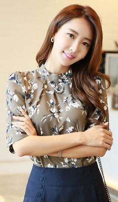 StyleOnme_Floral Print Half Sleeve High-necked Blouse #floral #flower #print…