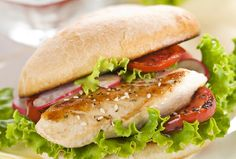 A Taste of Summer Chicken Sandwich Fast Healthy Meals, Healthy Eating, Healthy Recipes, Healthy Food, Delicious Recipes, Vegetable Recipes, Chicken Recipes, Summer Chicken, Chicken Club