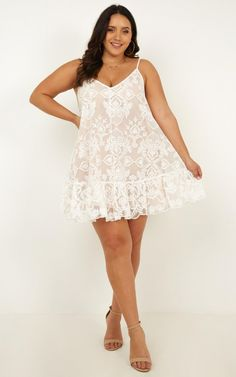 Best Picture For Lace Dress formal For Your Taste You are looking for something, and it is going to tell you exactly what you are looking for, and you didn't find that picture. Here you will find the Curvy Fashion, Plus Size Fashion, Xl Fashion, Bachelorette Outfits, Lover Dress, White Lace Mini Dress, Dress Attire, Party Dresses Online, White Outfits