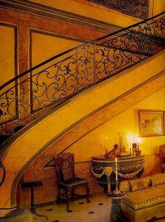 Visite d'un lieu historique : l'hôtel particulier du duc et de la duchesse de Windsor au Bois de Boulogne L'hôtel, propriété de la Ville de Paris a été occupé par les Windsor à partir de 1953 jusqu'à la disparition de la duchesse en 1986. Avec l'aide...