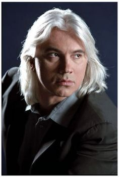 Dmitri Hvorostovsky is recognized not only as an outstanding opera singer, but also as a master of chamber cantatas and oratorios. In the chamber genre – romance of Russian and foreign composers (Tchaikovsky, Borodin, Rimsky-Korsakov, Rachmaninov, Rubinstein, M. Glinka, H. Purcell, Ravel, Brahms, G. Duparc, etc.), baroque arias of Western composers of XVI-XVII centuries, Russian folk songs.