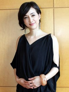 Christel Takigawa, home to Labrador within 20 km of the nuclear power plant … – Celebrities Japanese Beauty, Japanese Girl, Wavy Bobs, Latest Celebrity News, Asian Hotties, Salon Style, Short Bob Hairstyles, Aging Gracefully, Short Cuts