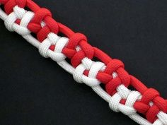 How to Make the Tumbling Box Bar (Paracord) Bracelet by TIAT - YouTube
