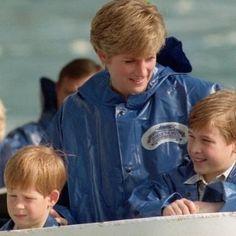 Príncipe Harry diz se arrepender de não ter falado sobre a morte de sua mãe