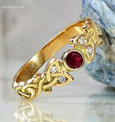 Dianne Loveknot Celtic Ring with Ruby, made in 18K Gold by Jason Bellchamber