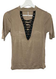 nikkie lace-up top (mocha)