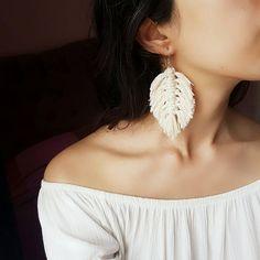 Macrame feather tassel earrings macrame earrings bridesmaid gift cotton earrings mustard ecru leaf eThis Macrame FeatherTassel EarringsMacrame EarringsBridesmaid is just one of the custom, handmade pieces you'll find in our hoop earrings shops. Macrame Colar, Macrame Art, Macrame Jewelry, Diy Jewelry, Jewelry Making, Micro Macrame, Macrame Knots, Jewelry Design, Jewelry Ideas