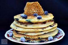 Mini frittata cu ardei si porumb - CAIETUL CU RETETE Pancakes, Deserts, Food, Salads, Essen, Pancake, Postres, Meals, Dessert