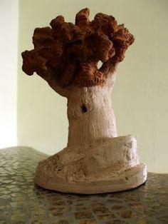 Fermacarte, decorazioni, reggilibri realizzati interamente a mano in terracotta o pasta di sale.   http://morellibelli.blogspot.com/p/primofuoco.html