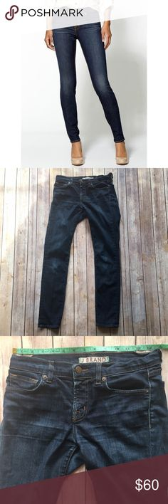 """J Brand 811 Mid Rise Skinny Jeans These are awesome J Brand skinny jeans perfect for dressing up or down! Whiskering throughout legs front and back. Waist measures approx. 13.75"""" across laying flat, front rise approx. 8.5"""", and inseam approx. 28"""". Excellent pre-loved condition!  🚫no trades 🚫no modeling ✅dog friendly/🚭smoke free home ✅reasonable offers ✅bundle & save! J Brand Jeans Skinny"""