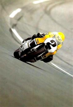 To know more about kenny roberts 1982 Daytona YAMAHA TZ 750 visit Sumally, a social network that gathers together all the wanted things in the world! Featuring over 5 other kenny roberts items too! Motogp, Gp Moto, Moto Bike, Yamaha Motorcycles, Vintage Motorcycles, Yamaha Sr400, Motocross, Velentino Rossi, Course Moto