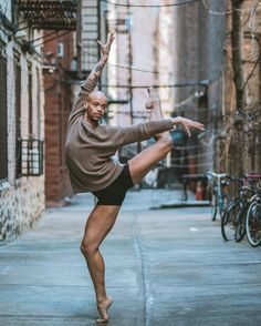 Des-danseurs-et-danseuses-de-ballet-dans-les-rues-de-New-York-4 Des danseurs et danseuses de ballet dans les rues de New York