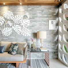 A parede com pedras naturais é sempre uma opção linda e cheia de charme!  #arte #apartamento #sala #integração #sacada #varanda #espelho #reforma #reformar #reformando #ap #apto #meuap #cozinha #sofa #mesa #look #lookdodia #amo #amei #arquitetura #amor #amando #apaixonada #apaixonado #morar #casar #casando