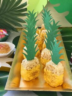 aloha party Pineapple shaped snacks for a pineapple and watermelon themed birthday party Aloha Party, Luau Theme Party, Hawaiian Luau Party, Birthday Party Themes, Summer Party Themes, 30th Birthday, Luau Party Desserts, Luau Snacks, Hawaiin Party Ideas