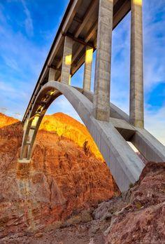 Hoover Dam Bypass Bridge over the Colorado River downstream from the Hoover Dam, Arizona/Nevada Nebraska, Oklahoma, Beautiful World, Beautiful Places, Amazing Places, Places To Travel, Places To See, Ing Civil, Puerto Rico