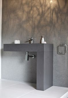 Burlanes sink with quartz panels from Cosentino