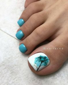 Here are the best Summer Toe Nail Design ideas for you. Keep your style game strong with Toe Nail designs for Summer. Best Summer Nail Art ideas are here. Neon Toe Nails, Pretty Toe Nails, Cute Toe Nails, Toe Nail Color, Summer Toe Nails, Toe Nail Art, Blue Nails, Nail Colors, My Nails