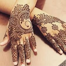 Girls paint their hands and legs with lovely and pretty new mehndi designs. These stunning mehndi designs are perfect for everybody. Mehndi Designs Finger, Latest Henna Designs, Henna Tattoo Designs Simple, Full Hand Mehndi Designs, Mehndi Designs Book, Mehndi Design Pictures, Bridal Henna Designs, Mehndi Designs For Girls, Mehndi Designs For Beginners