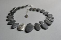 """SIBYLLE FLOURET-FR- (actuellement à l'ecole """"Contacto Directo"""" Portugal)  Galets d' ardoise et argent - necklace silver & pebbles"""