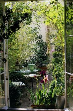 These Secret Garden design ideas can inspire you to make one for yourself. Get the best secret garden landscaping ideas for your backyard. Small Courtyard Gardens, Small Courtyards, Small Gardens, Outdoor Gardens, Outdoor Sheds, Courtyard Landscaping, Outdoor Spaces, Outdoor Seating, Landscaping Ideas