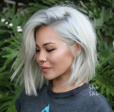Short Hairstyles: 14 Trends Bob Hairstyles and Haircuts in 2019 Medium Shaggy Hairstyles, Bob Hairstyles For Fine Hair, Sleek Hairstyles, Hairstyles For Round Faces, Cool Haircuts, Hairstyles Haircuts, Asian Hairstyles, Wedding Hairstyles, Men's Hairstyle