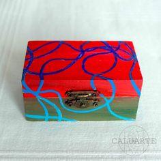Caja de madera pintada a mano de CALUARTE handmade por DaWanda.com Mini Canvas Art, Painted Boxes, Hand Painted Furniture, Love Painting, Anton, Tarot, Decoupage, Decorative Boxes, Etsy