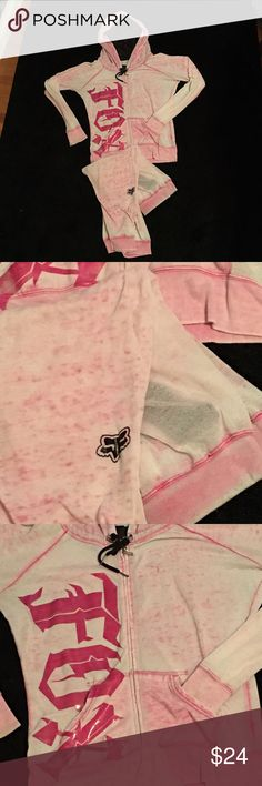 Fox Super lightweight Capri sweat suit Capris are worn.. Some piling.. Sheer, jacket is in good condition. Paid $100 for this new. Jacket is a large pants are Medium. Jacket it worth the cost alone Fox Other