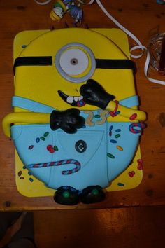 sweet 25 :)  despicable me - minion birthyday cake