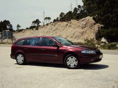 Renault Laguna (2004) on automotobook.com