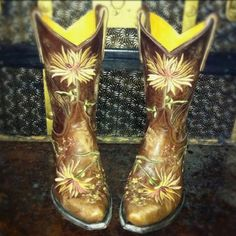 Cowgirl Boots. Old Gringo Ellie in Yellow at RiverTrail in North Carolina.