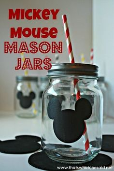 Mickey Mouse Mason Jars with Chalkboard Labels! this is a good replacement for your Mickey cup. Mickey Mouse Bday, Theme Mickey, Mickey Y Minnie, Mickey Mouse Parties, Mickey Party, Mickey Mouse Birthday, Mickey Cakes, Disney Parties, Elmo Party