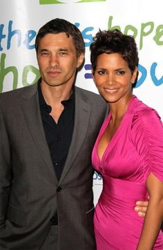 Halle Berry in pink silk dress: http://www.glamour.co.za/fashion-celebrity/celebrity-news/632706.html
