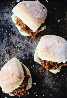 Sweet & Spicy Sloppy Joes: perfect for a hungry crew on a fall Sunday. #recipe