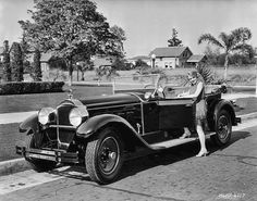 1928 Packard - Vintage Women and the Automobile No I | The Old Motor