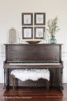 Botanical prints above the piano. Love the sheepskin throw on the piano bench and the accessories on the piano. Piano Living Rooms, My Living Room, Home And Living, Upright Piano Decor, Painted Pianos, Old Pianos, Piano Bench, My New Room, Home Renovation