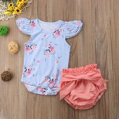 Blumenspielanzug + Bowknot Shorts - Boho + Baby Apparel Source by sherroltindall . Toddler Bedtime, Newborn Girl Outfits, Cute Baby Clothes, Floral Romper, Baby Girl Fashion, Baby Accessories, Boho Outfits, Future Baby, Mom And Dad