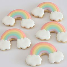 Pastel rainbow cookies for a unicorn party. Rainbow Unicorn Party, Rainbow Birthday Party, Unicorn Birthday Parties, 4th Birthday, Birthday Ideas, Iced Biscuits, Cookies Et Biscuits, Pastell Party, Rainbow Sugar Cookies