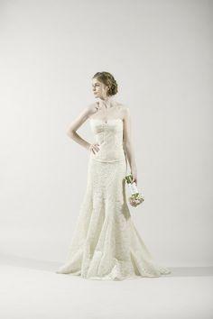 Monique Lhuillier Two Piece Corsette ivory lace elegant