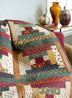 Before the Snow Flies - Pattern in Quick Quilts - Interesting quilting. Log Cabin Quilt Pattern, Log Cabin Quilts, Quilt Block Patterns, Quilt Blocks, Log Cabins, Colchas Quilting, Machine Quilting, Quilting Projects, Quilting Designs