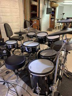 Electric Drum Set, Digital Drums, Drums Studio, Drum Sets, Music Aesthetic, Acoustic Guitar, Hogwarts, Glow, Honey
