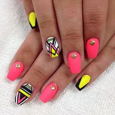 Here we have 37 Random Nails To Fall In Love With! All of these nails are guaranteed to satisfy your nail inspiration needs. These truly are a random assortment of nails and you will notice there is no correlation between any of the nails. Stylish Nails, Trendy Nails, Cute Nails, Hot Pink Nails, Neon Nails, Cute Nail Designs, Acrylic Nail Designs, Indian Nails, Tribal Nails