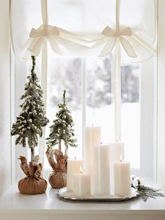 Love this chic Christmas look. Advent inspiration - Sköna hem