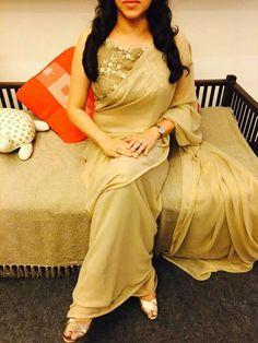 Churidar Designs, Lehenga Designs, Dress Indian Style, Indian Outfits, Indian Wear, Frock Patterns, Kurti Embroidery Design, Designer Dresses, Designer Sarees