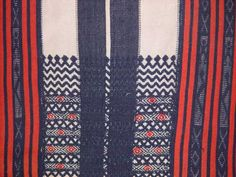 """Detail of a Bontoc woven textile from the highlands of Northern Luzon, Philippines. BBC Boracay says."""" A long dusty way but worth to do this trip. Ethnic Patterns, Textile Patterns, Print Patterns, Filipino Culture, Filipino Art, Filipino Tribal Tattoos, Philippine Art, Philippines Culture, Weaving Textiles"""