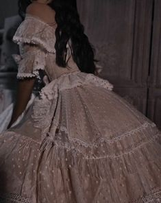 #Icons #dress #aesthetic #wallpaper Queen Aesthetic, Princess Aesthetic, Classy Aesthetic, Aesthetic Clothes, Aesthetic Vintage, Aesthetic Photo, Ball Dresses, Ball Gowns, Pretty Dresses