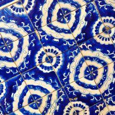 Talavera blue and white ceramic tiles ~  La Fuente Imports offers the largest Talavera Pottery selection online! http://www.lafuente.com/Mexican-Decor/Talavera-Pottery/
