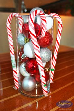 1000 images about christmas on pinterest christmas for Candy cane holder candle centerpiece