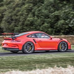 Work of art.. #991 #GT3RS #Porsche By @renatoviani #Carsgasm