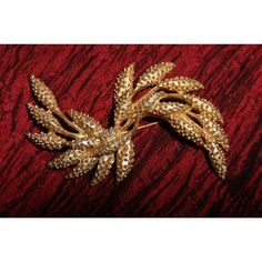 Vintage Gold Sheaf Brooch Sarah Coventry ($45) found on Polyvore featuring jewelry, brooches, sarah coventry jewelry, sarah coventry, vintage jewellery, gold jewelry and vintage broach